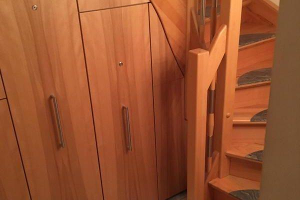 Platzsparende Möbel, Einbauschrank Treppe